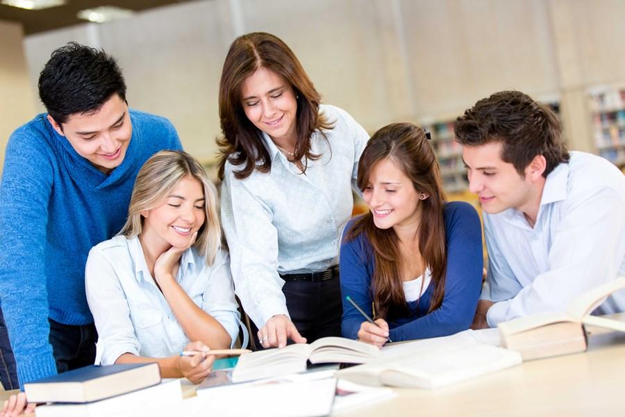 csoportos nyelvoktatás